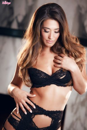 donna sexy in lingerie immagine 9