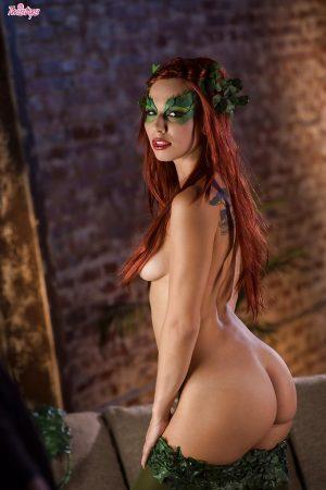 donna in vestito sexy nuda immagine 7