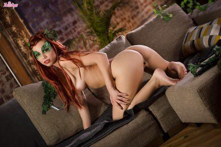 donna in vestito sexy nuda immagine 2