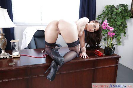 segretaria sexy immagine 2