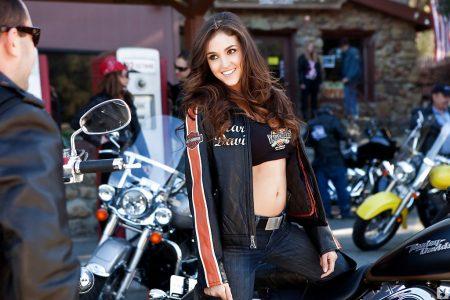 Jaclyn Swedberg motociclista sexy immagine 8