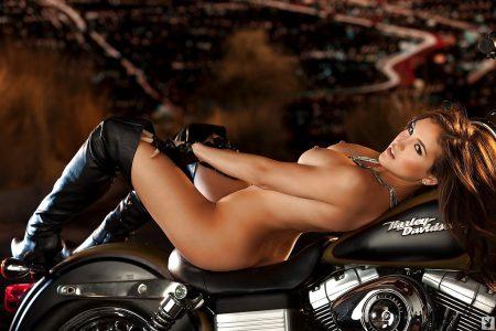 Jaclyn Swedberg motociclista sexy