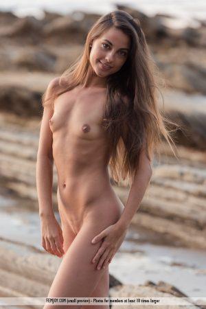 Nudo Lorena G. immagine 1